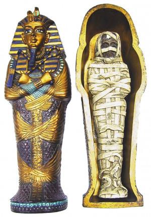 Sarcofago con mummia